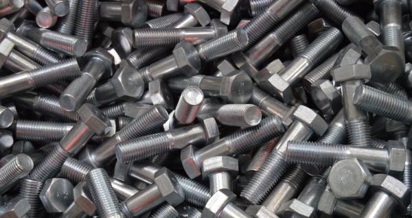 ММК-МЕТИЗ в апреле увеличил объемы отгрузки крепежных изделий