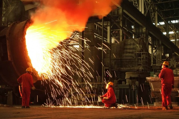 Китай снова поставил рекорд по выплавке стали